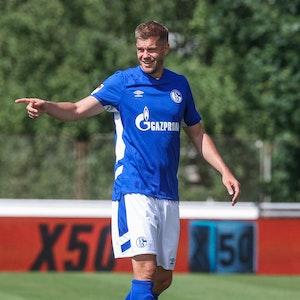 Simon Terodde im Trikot des FC Schalke 04.