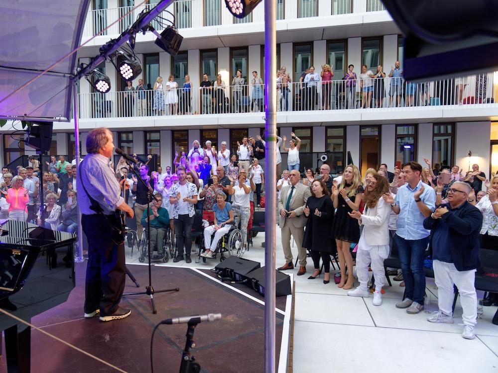 Chris de Burgh bei privatem Konzert in Köln.