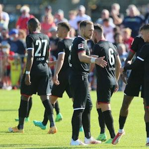 Der 1. FC Köln spielt gegen den FC Schaffhausen.