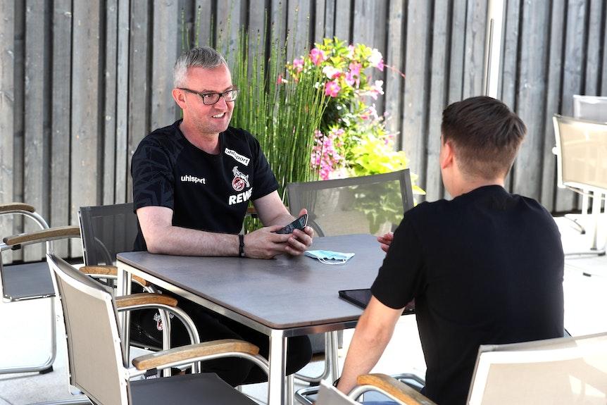 Alexander Wehrle sitzt beim EXPRESS-Interview.