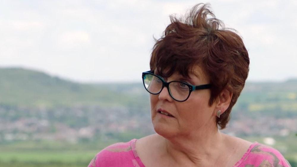 Sabine Riemer schaut ungläubig, nachdem sie den Wert ihres Kovsh, eines russischen Trinkgefäßes, erfahren hat.