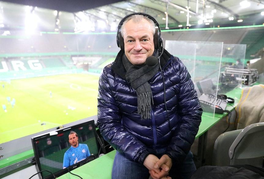Markus Höhner auf seinem Kommentatorenplatz im Stadion