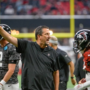 Greg Knapp als Quarterback-Coach der Atlanta Falcons