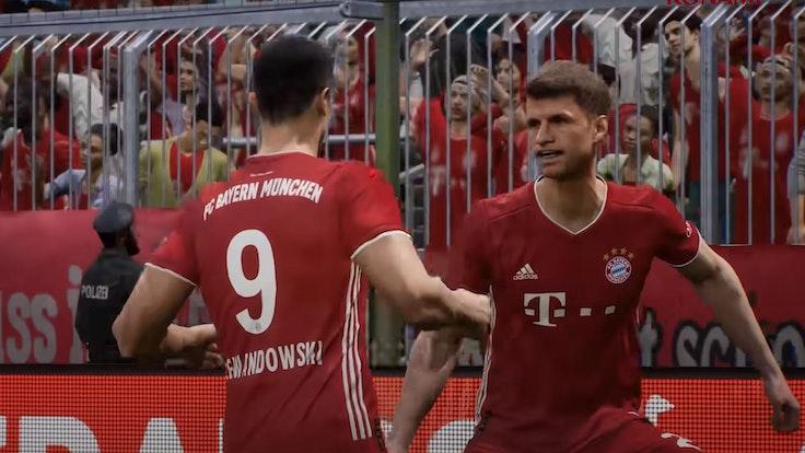 Robert Lewandowski i Thomas Muller dopingują scenę z gry wideo eFootball.