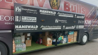 Der Bus der Holy Bulls fuhr am Freitag ins Krisengebiet nach Meckenheim.