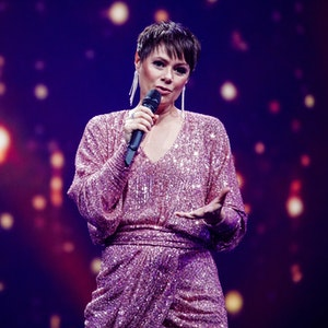 Francine Jordi, Schweizer Schlagersängerin im November 2020 bei einer TV-Aufzeichnung.