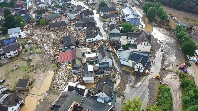 Die erste Auswertung von Schäden in den Eifel (hier dem Ort Schuld) nach der Hochwasser-Katastrophe lässt Böses ahnen.