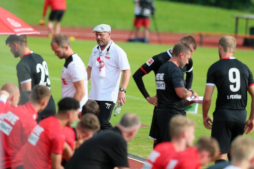 Steffen Baumgart beim Testspiel 1. FC Köln gegen SV Elversberg.