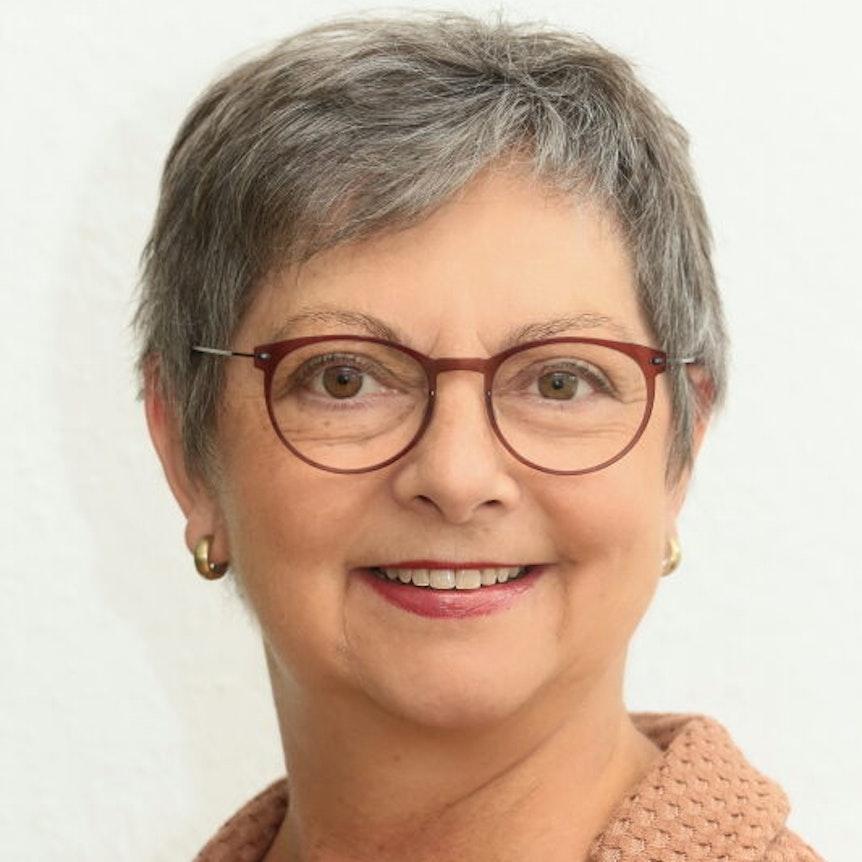 """Manuela Roßbach ist geschäftsführende Vorständin des Bündnisses deutscher Hilfsorganisationen """"Aktion Deutschland Hilft"""", die in überfluteten Gebieten helfen."""