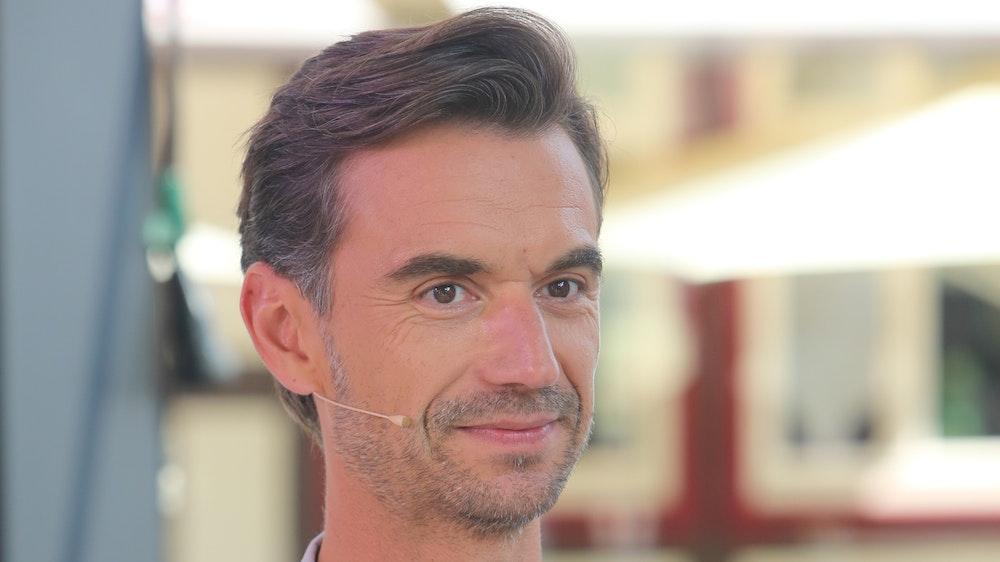 Schlagerstar und Jury-Mitglied Florian Silbereisen steht vor der TV-Aufzeichnung der bekannten RTL-Castingshow «Deutschland sucht den Superstar» DSDS am Set. +++ dpa-Bildfunk +++