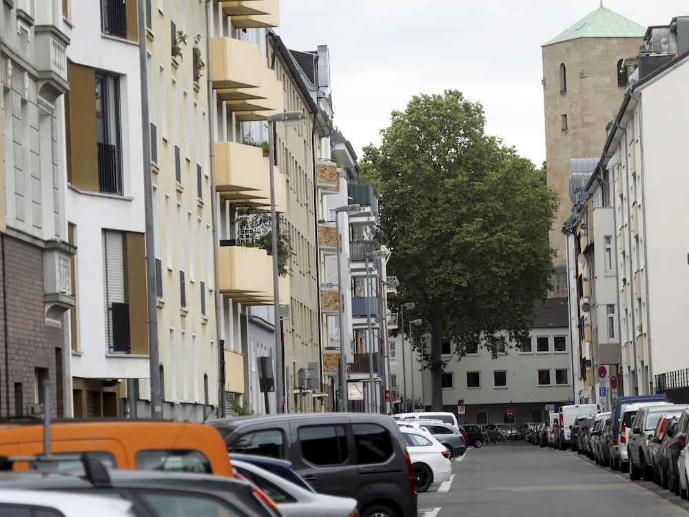 Blick in die Wormser Straße in der Kölner Südstadt.