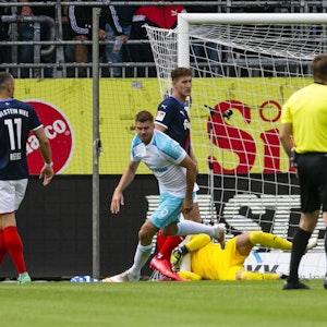 2. Bundesliga: Holstein Kiel verlor gegen den FC Schalke 04 mit 0:3. Simon Todde traf doppelt.