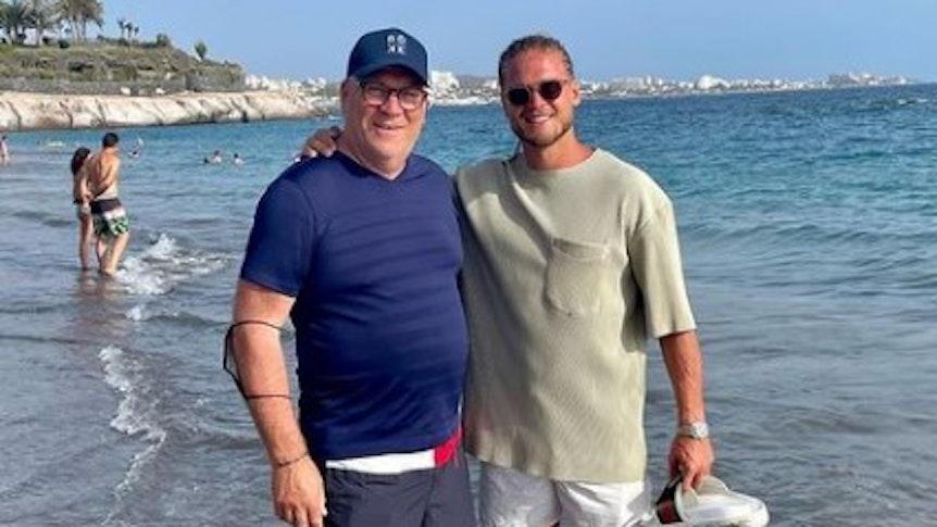 Rurik Gislason hat am 30. Juli dieses Foto aus dem Spanienurlaub gepostet. Es zeigt ihn mit seinem Vater Gisli Kristofersson.