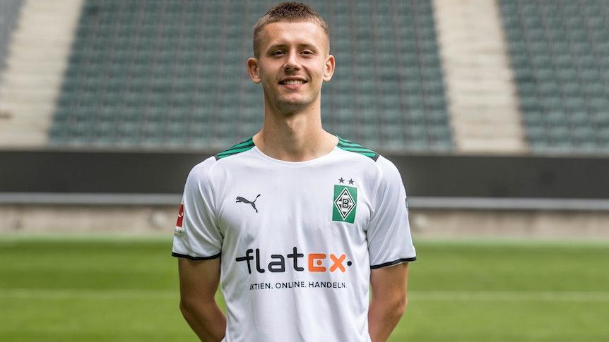 Gladbachs Torben Müsel posiert am 1. August 2021 beim Media Day im Borussia-Park fürs Foto.