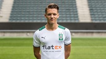 Hannes Wolf posiert am Media Day am 1. August 2021 fürs Foto im Borussia-Park.