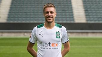 Patrick Herrmann posiert am 1. August 2021 am Media Day im Borussia-Park.