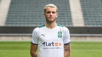 Jordan Beyer posiert am Media Day am 1. August 2021 fürs Foto im Borussia-Park.