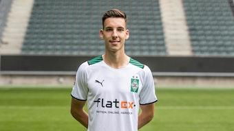 Gladbachs Conor Noß posiert am 1. August 2021 beim Media Day im Borussia-Park fürs Foto.