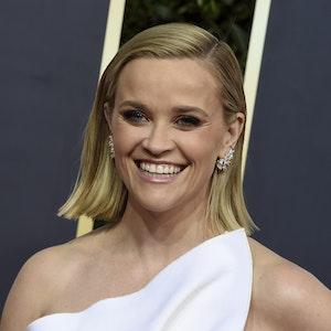 Reese Witherspoon posiert bei der Oscarverleihung 2020 auf dem roten Teppich.