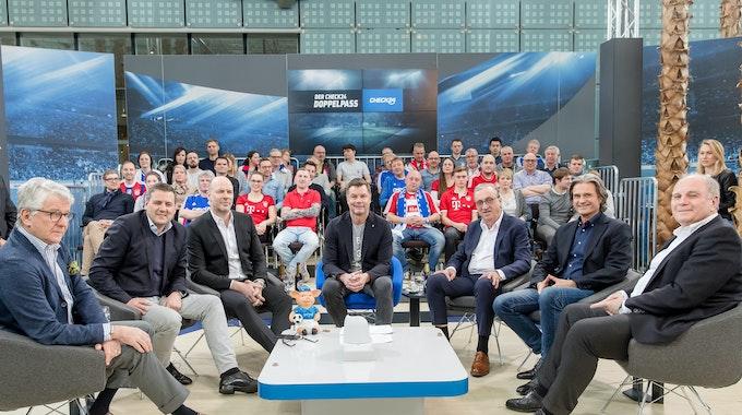 Thomas Helmer moderiert die Doppelpass-Folge vom 24. Februar 2019, zu Gast sind unterem Marcel Reif und Uli Hoeneß.