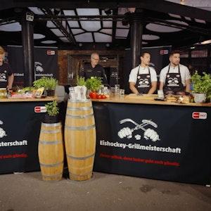Die Kölner Haie und die Düsseldorfer EG duellieren sich in der DEL-Grillmeisterschaft.
