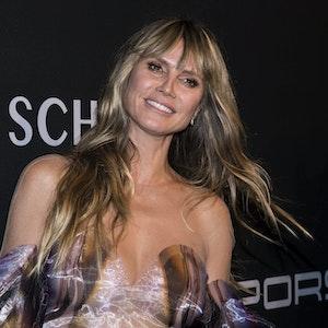 Heidi Klum, hier bei einer Spendengala 2019, hat auf Instagram ihre Tochter Lou von vorne gezeigt.