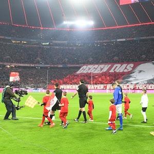 Ein Blick in die restlos ausverkaufte Münchner Allianz Arena.