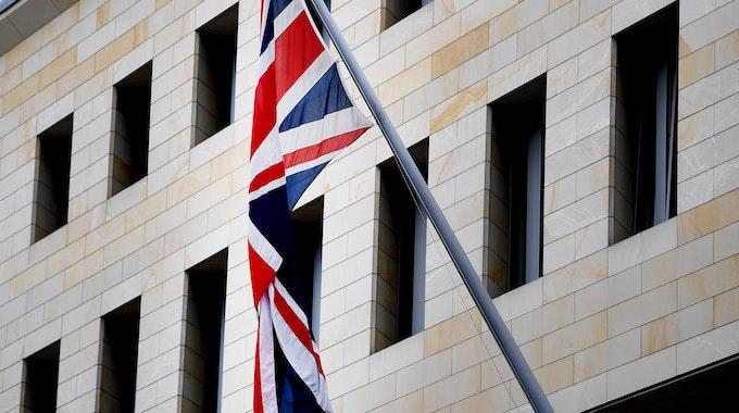 Spionage in der britischen Botschaft in Berlin (hier ein Bild von 2019)? Ein Mann wurde jetzt festgenommen, weil er den Russen Infos beschafft haben soll.