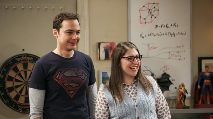 """Schauspielerin Mayim Bialik wurde durch ihre Rolle der """"Amy"""" in der Sitcom """"The Big Bang Theory"""", u.a. an der Seite von Jim Parsons (Sheldon) berühmt. Nun wird sie die US-Quiz-Show """"Jeopardy!"""" moderieren, wie sie auf Twitter mitteilte."""