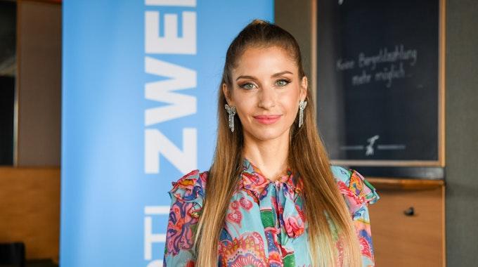 Cathy Hummels macht Schlagzeilen wegen der Scheidung - hier stellt sie auf einem Pressetermin die neue Staffel der TV-Show Kampf der Realitystars vor.