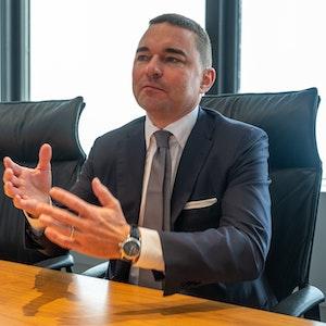 Lars Windhorst, Investor von Fußball-Bundesligist Hertha BSC, spricht bei einem Interview.