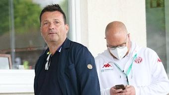 Christian Heidel erwartet, dass nicht geimpfte Profis schwerer neue Vereine finden.