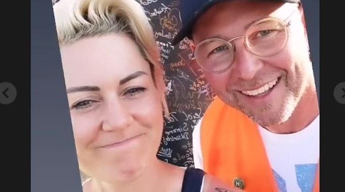 Dr. Carola Holzner, Notfallärztin aus Duisburg und Influencerin, besucht das von den Fluten gebeutelte Ahrtal und rührt auf Instagram die Werbetrommel für weitere freiwillige Helfer. Dafür spricht sie unter anderem mit Helfern vor Ort, darunter Marc Ulrich. Der räumt mit einem Gerücht auf.
