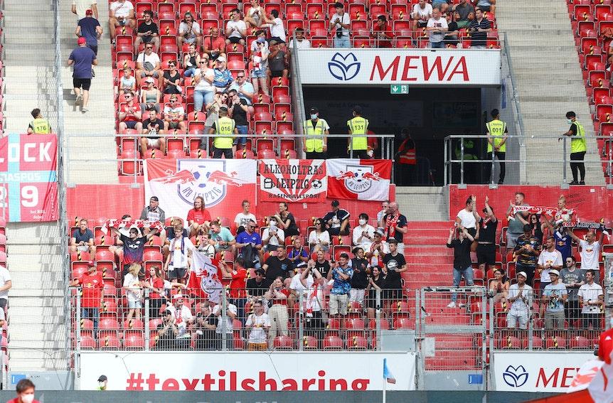 Erstes Bundesligaauswärtsspiel seit anderthalb Jahren: Fans von RB Leipzig in Mainz.