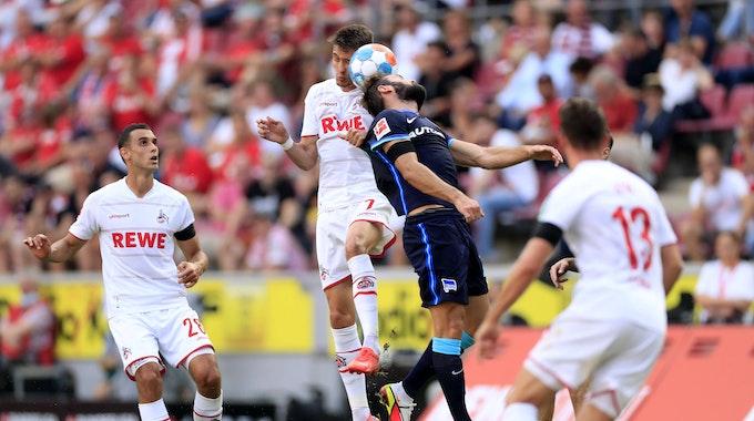 Dejan Ljubicic spielt für den 1. FC Köln gegen Hertha BSC.