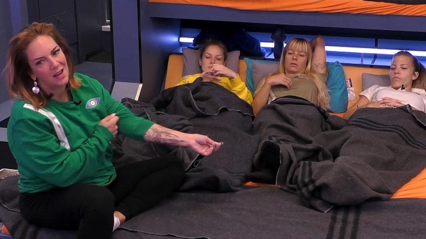 """Danni Büchner, Marie Lang, Babs Kijewski und Ina Aogo (von links) geben eine illustre Mädelsrunde bei """"Promi Big Brother"""" 2021 ab."""