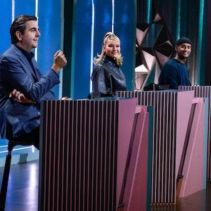 Titel: Wer stiehlt mir die Show?; Staffel: 2; Folge: 1; Person: Bastian Pastewka; Shirin David; Teddy Teclebrhan; Antonia; Joko Winterscheidt;