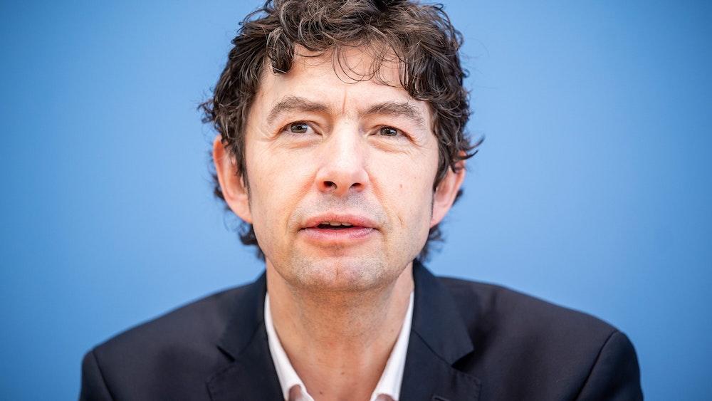 Prof. Dr. Christian Drosten, Direktor Institut für Virologie, Charité Berlin, aufgenommen bei einer Pressekonferenz zum Stand der Coronavirus Infektionen.