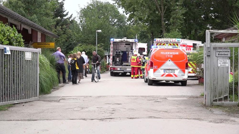 Bei dem Feuer auf einem Campingplatz in Mülheim an der Ruhr sind am Donnerstag (19. August) elf Menschen verletzt worden, eine Person starb in den Flammen.