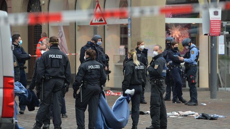 Amokfahrt in Trier (Rheinland-Pfalz): Das Bild stammt vom Einsatz im Dezember 2020. Der angeklagte will nun schweigen.