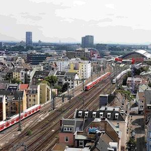 Eine S-Bahn fährt auf den Gleisen in Richtung Kölner Haptbahnhof.