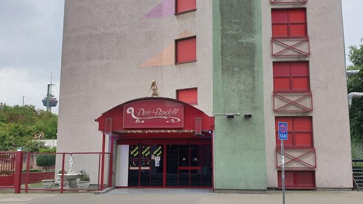 """""""Das Bordell Eros Center Köln"""" in der Hornstraße kämpft mit den neuen Corona-Regeln."""