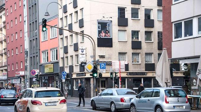 Außenansicht der Kneipe Knobelbecher in Köln.