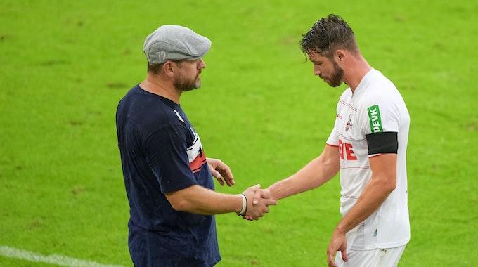 Steffen Baumgart wechselt Mark Uth gegen den FC Bayern aus.