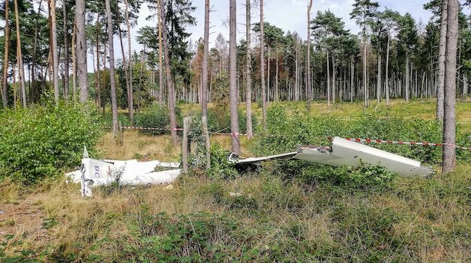 Der Segelflieger war nahe eines Flugplatz in Lippe abgestürzt. Der Pilot wurde bei dem Absturz getötet.