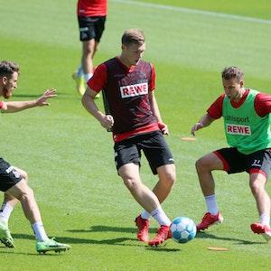 Luca Kilian im FC-Training gegen Salih Özcan und Louis Schaub