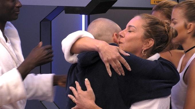 Daniela Büchner verabschiedet sich.