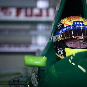 Mick Schumacher fährt in einem Jordan 191.