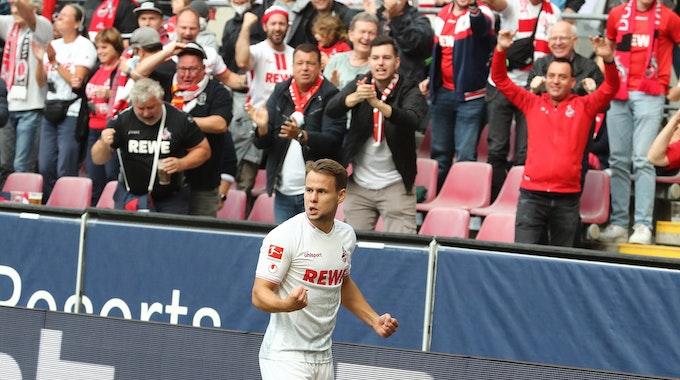 Jubel nach dem Tor zum 1:0 durch Louis Schaub (1. FC Köln).