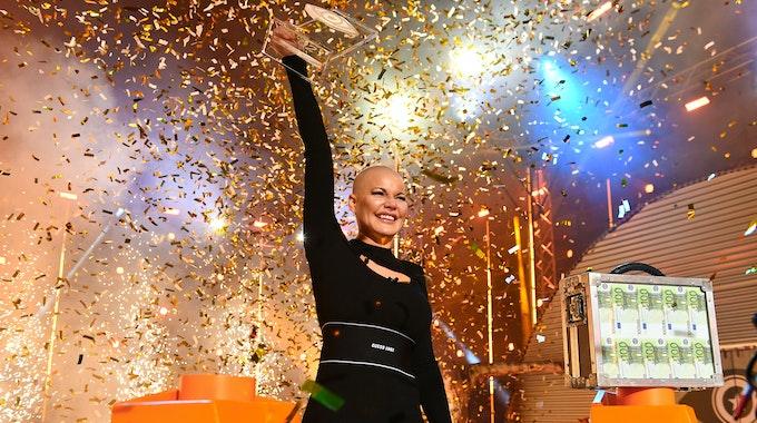 """Melanie Müller gewinnt """"Promi Big Brother"""" 2021. Am Freitagabend (27. August) stieg das Finale der Container-Realityshow."""